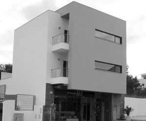 Edifício de Habitação e Comércio – Alvor